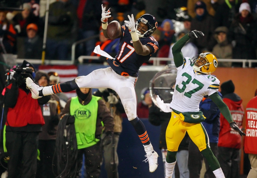 Nfl Crystal Balls Bears Lions Freeze In Green Bay