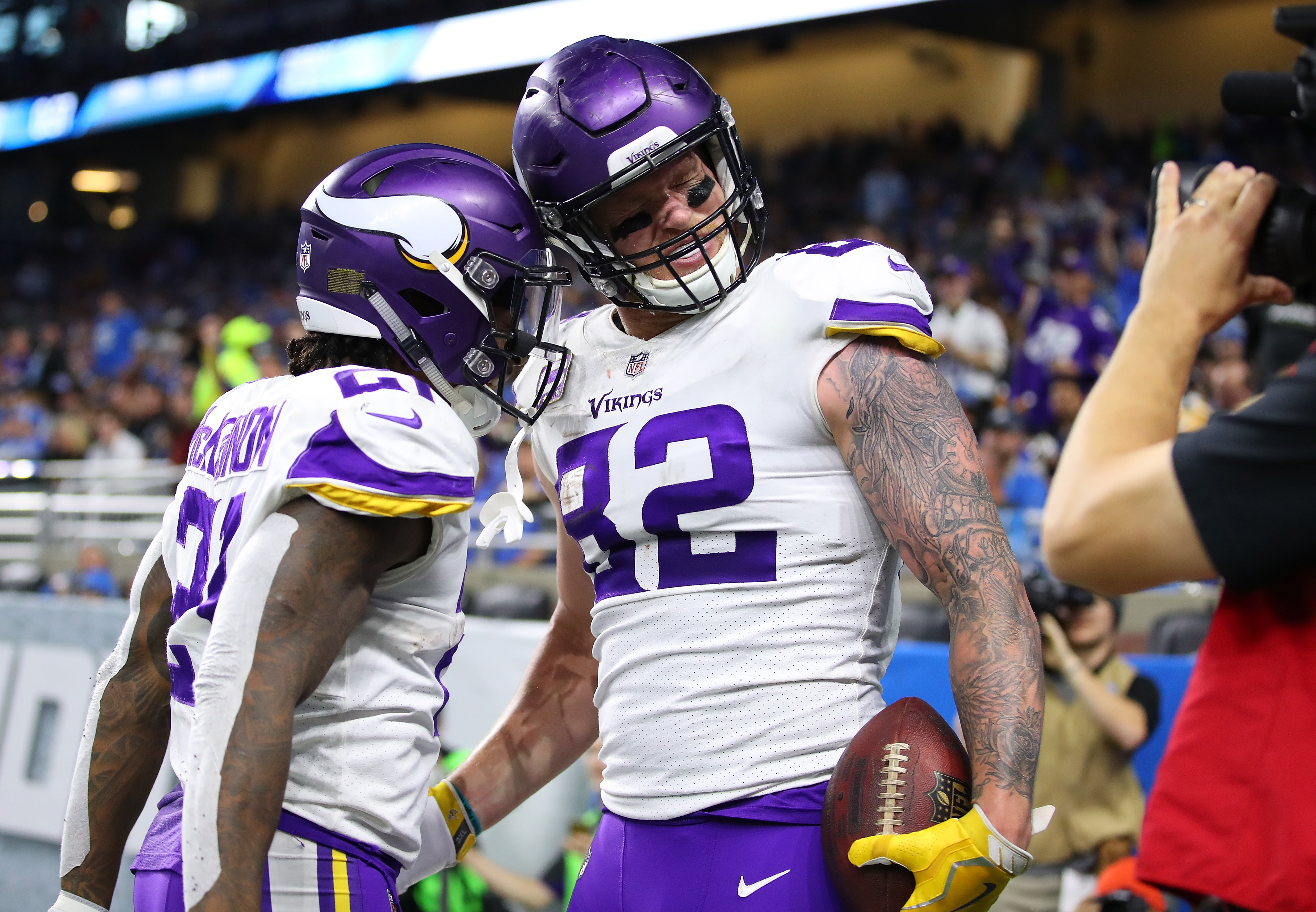 2017 NFL Picks, score predictions for Week 13 - Page 3