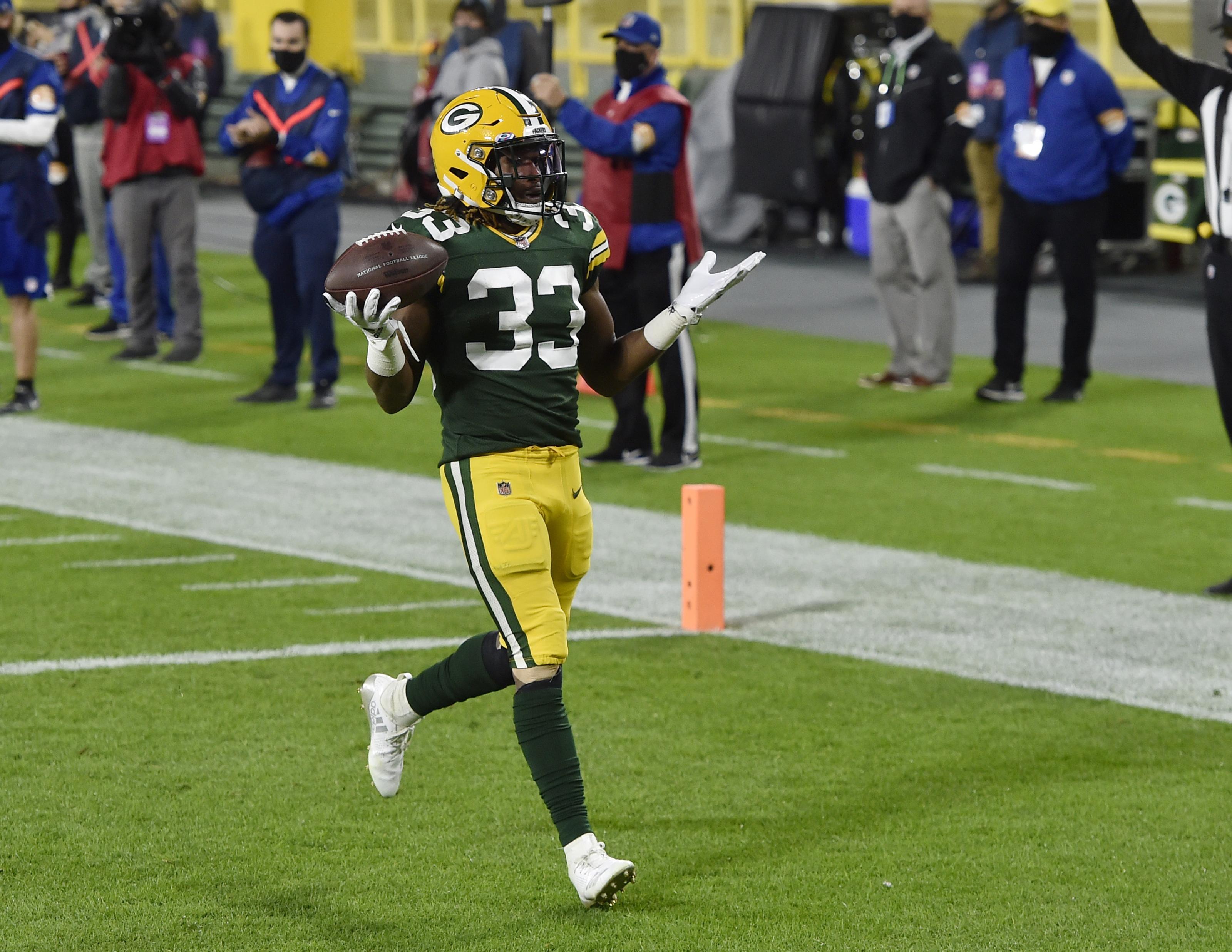 Green Bay Packers: Re-sign Aaron Jones or let him walk?