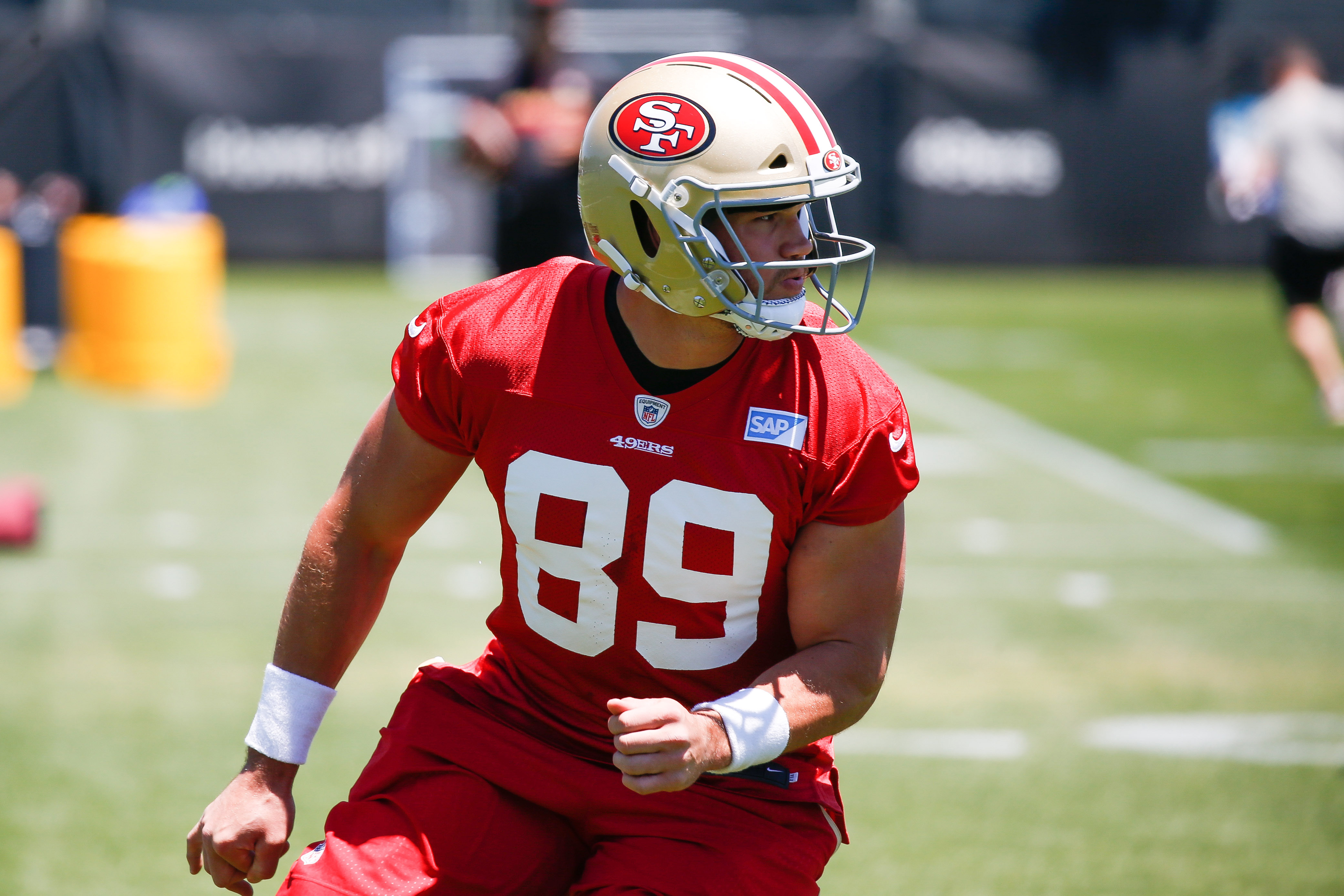 03ff0343c28 San Francisco 49ers  Who will win the tight end battle